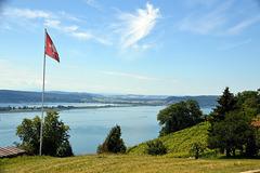 Blick über das obere Bielerseebecken in richtung Westschweiz von Schernelz