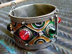 Berber cuff