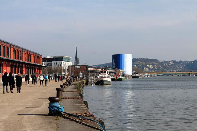 Rouen -Les quais de Seine -