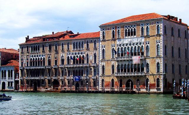 IT - Venedig - Ca' Foscari und Palazzo Giustinian