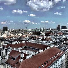 Blick vom Nordturm des Wiener Stephansdoms über die Stadt