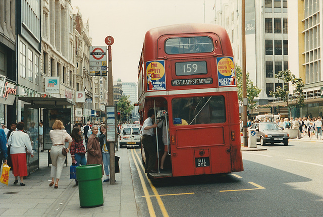 London RM1811 (811 DYE) - 20 Jun 1987