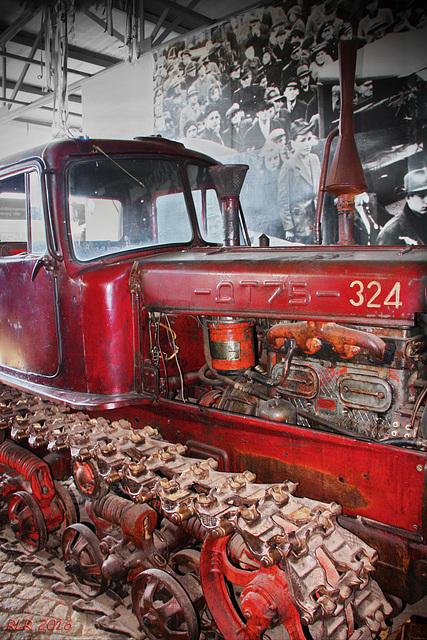 Kettenschlepper  DT 75