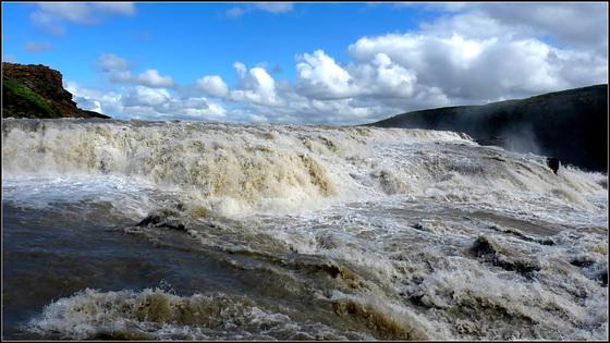 GULFOSS WATERFALL - Iceland - (549)