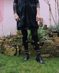 Hélène / Jolie jardinière en talons hauts - Sexy gardener in high heels