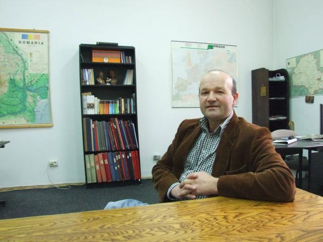 Klaus -Dieter Untch (orgenisto, kiu ĉeokaze ankaŭ verkas artikolojn kaj poemojn ĉeokaze) kun verkemo)