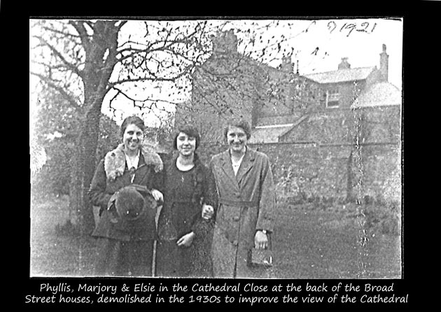 Marjory & Phyllis & Elsie - Cathedral Close - Hereford - 1921