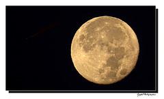 Lune d' Automne ...