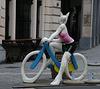 Faire du vélo dans cette tenue en hiver , ce n'est pas sérieux !