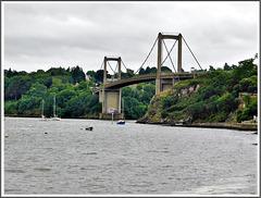 En randonnée : vue vers le pont Saint Hubert