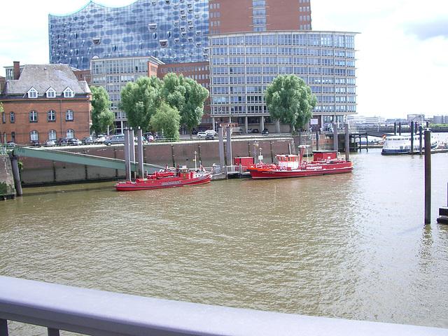 Hamburg - red boats