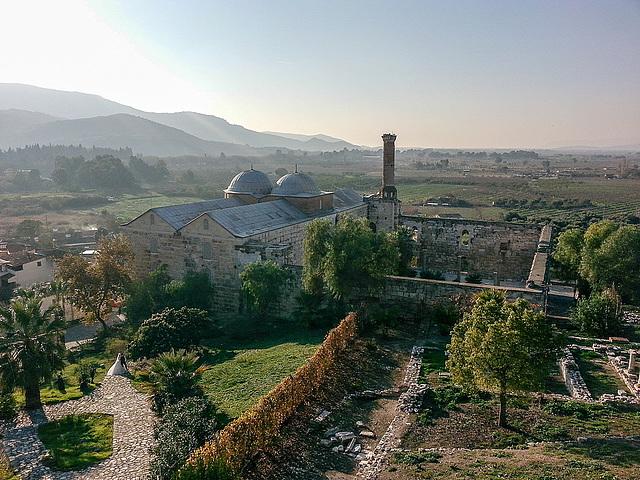 20151206 150351Hw [R~TR] Isa Bey-Moschee, Johannes-Basilika, Selcuk