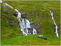 Isole Faroe - Go go waterfalls - (650)