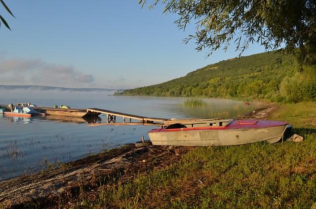 Бакотский залив, Лодка для рыбалки