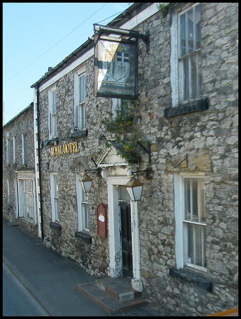 Burton-in-Kendal Royal Hotel