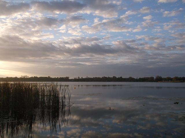 Le grand calme du Lac Cecile au p'tit matin