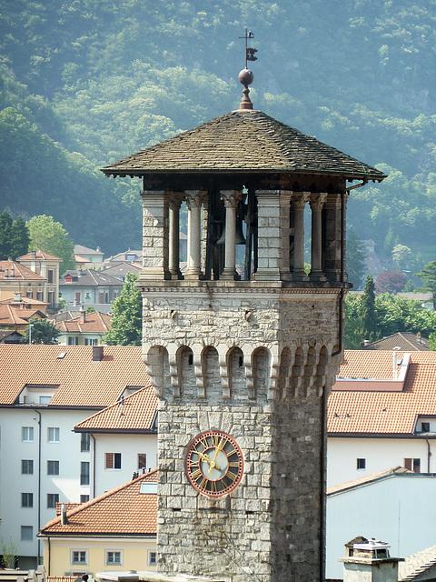 Glockenturm des Gebäudes der Kantonal und Stadtverwaltung von Bellinzona