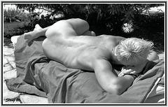 Le bain de soleil..The sun bath