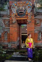 Open the Kori Agung gate