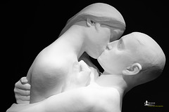 The Kiss 1921 - detail