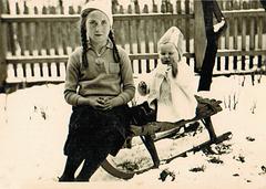 Ostern am 21. April 1935 im Vorgarten