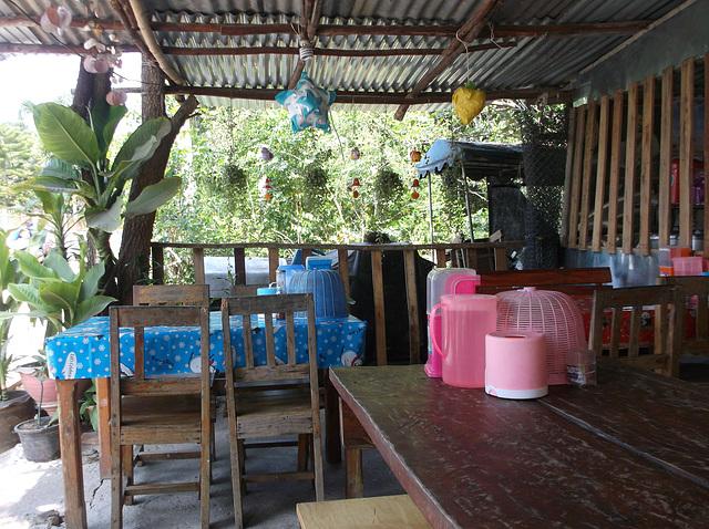 En attente de notre omelette matinale ( Thaïlande)