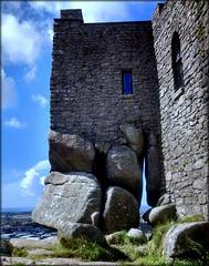 Carn Brae castle