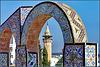 Tunisi : il Minareto Sidi Youssef sopra la Medina