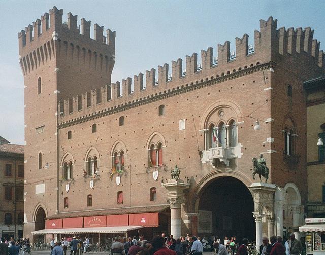 IT - Ferrara - Palazzo Municipale