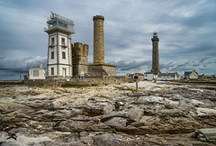 lighthouses in row