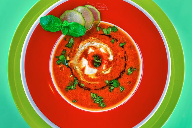 Zuppa di pomodoro con formaggio feta greca. Hap Hap Hap.