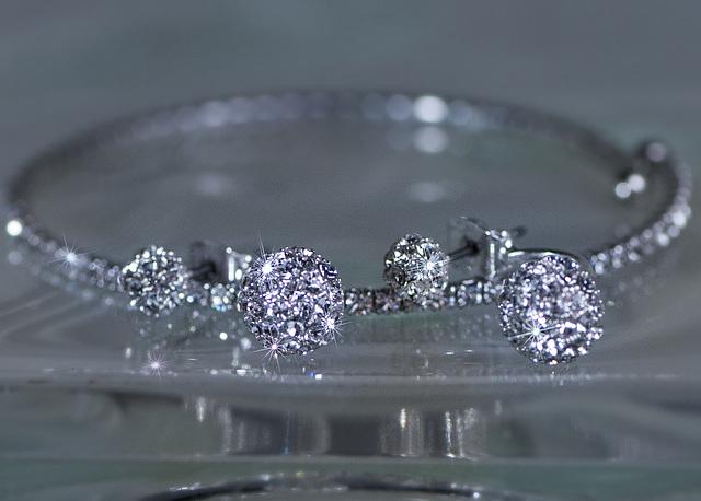 test earrings bling1