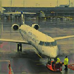 CRJ-700 @ SFO (imag0912)