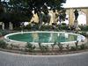 Malta - Bänke am Brunnen