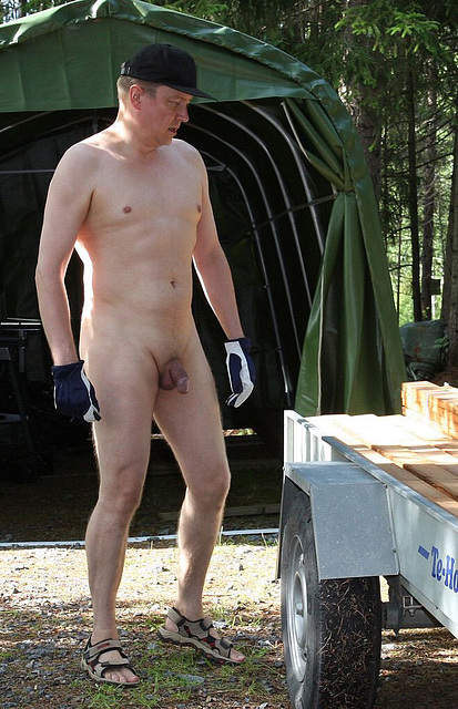Nude workman