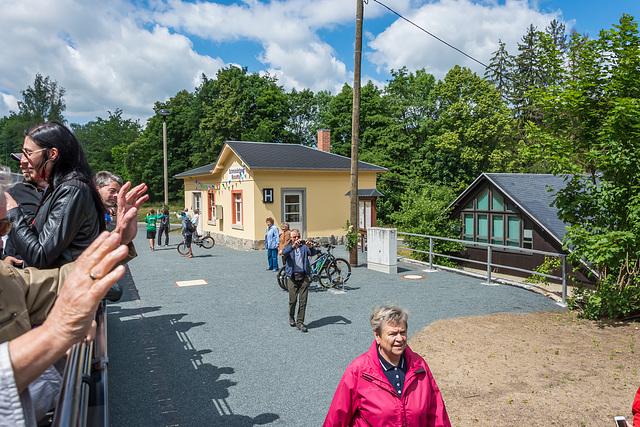 Am Haltepunkt Schmiedeberg-Naundorf