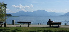 A place to sit and dream and enjoy that beautiful scenery (Ecobird ) - HBM -