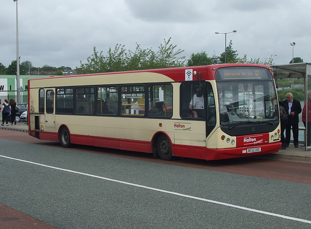 DSCF7798 Halton Borough Transport 36 (DE52 USC) in Widnes - 15 Jun 2017