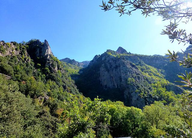 FR - Casteil - On the way to St. Martin de Canigou