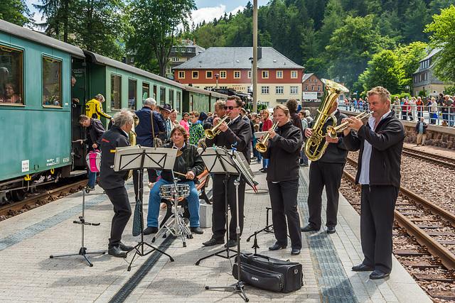Großer Bahnhof und musikalischer Empfang