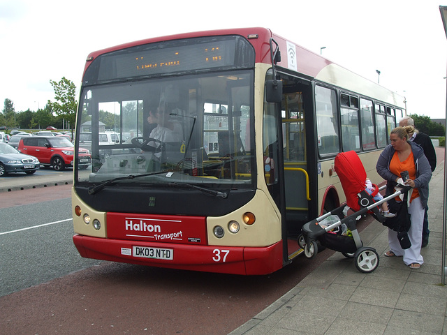 DSCF7809 Halton Borough Transport 37 (DK03 NTD) in Liverpool - 16 Jun 2017
