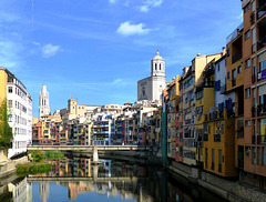 ES - Girona - Reflections on the Onyar