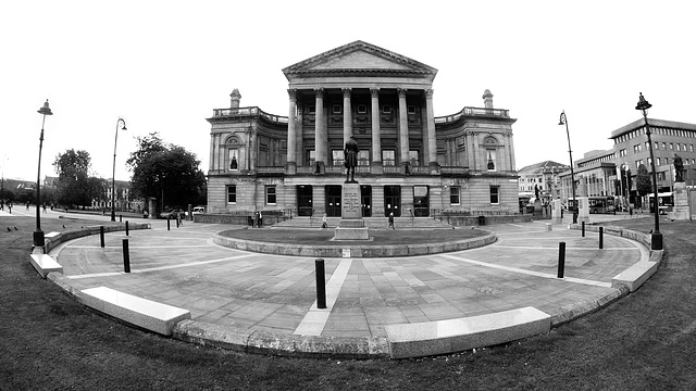 Paisley Town Hall and the Robert Tannahill Statue