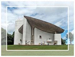Ronchamp (70) 4 août 2008. Notre-Dame-du-Haut. (Le Corbusier).
