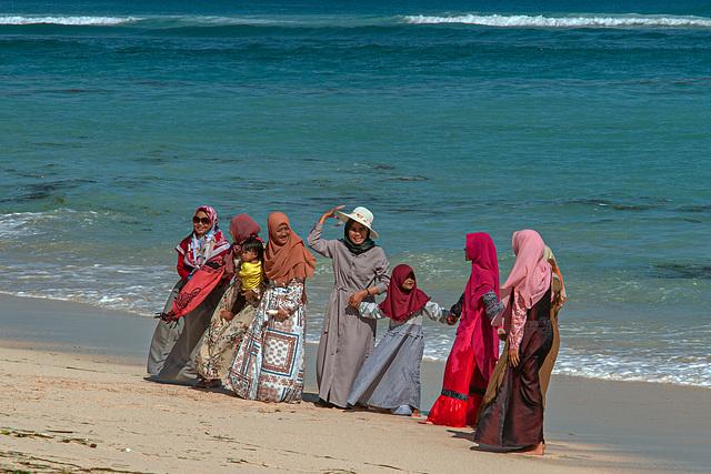 Muslim girls and women on Bali