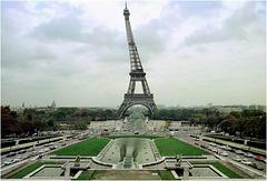 Tour Eiffel ... scanner d'une photo argentique ...