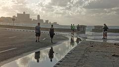CARAÏBES : le Malecon à la Havane