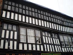 Crown Hotel (1585).