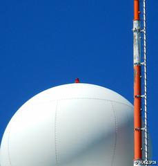 Radarstation des deutschen Wetterdienstes auf dem Feldberg (© Buelipix)