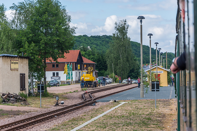 Einfahrt in den Bahnhof Obercarsdorf